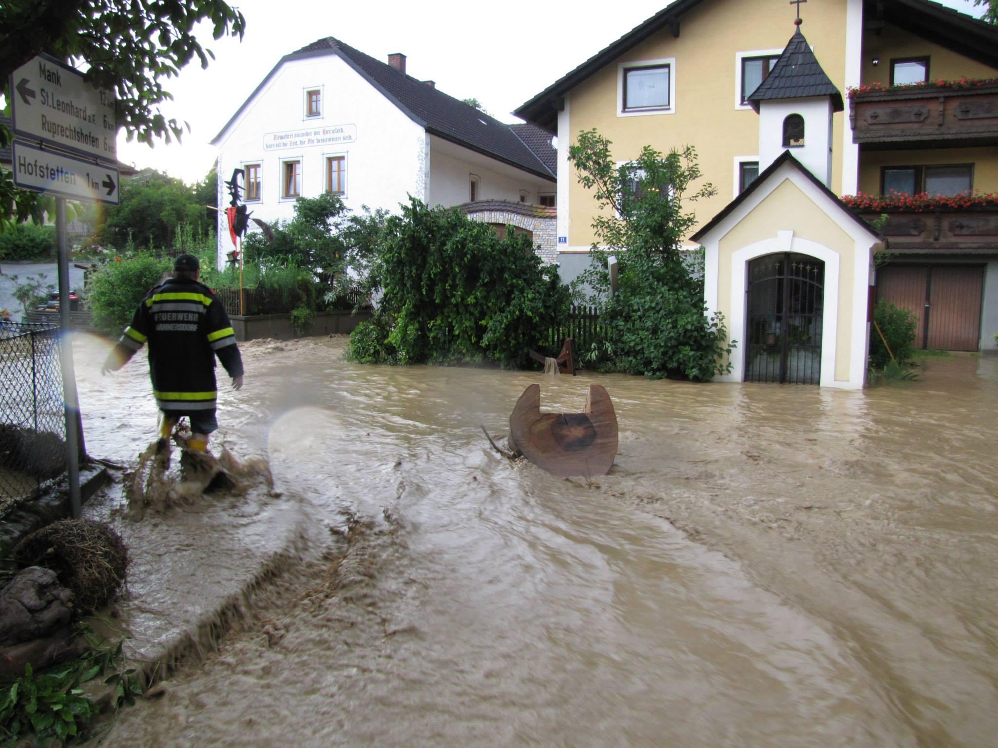hochwasser-mannersdorf-1