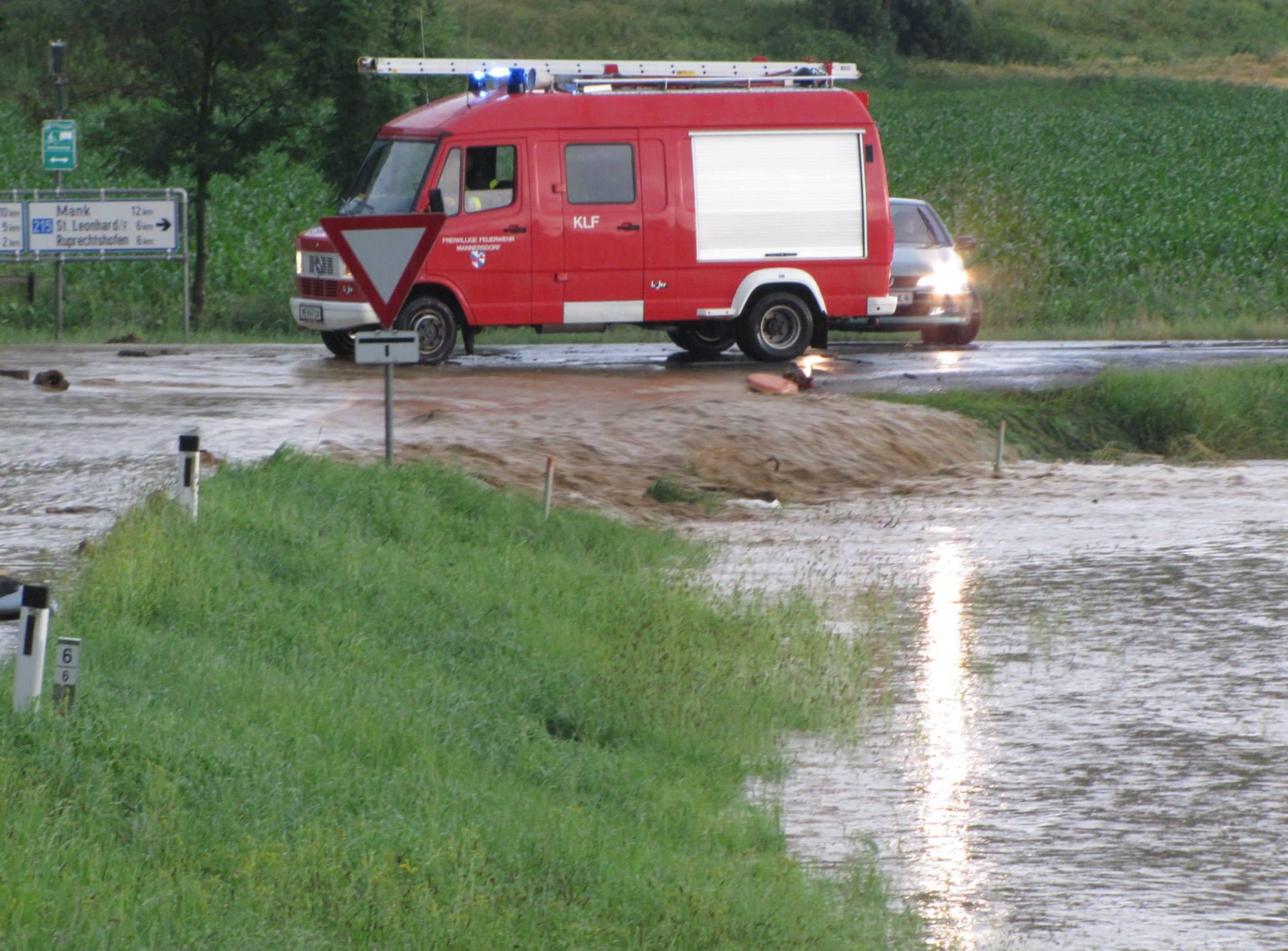hochwasser-mannersdorf-2013