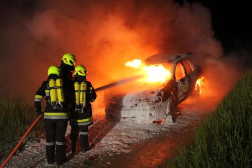 "Einsatzübung ""Fahrzeugbrand"""