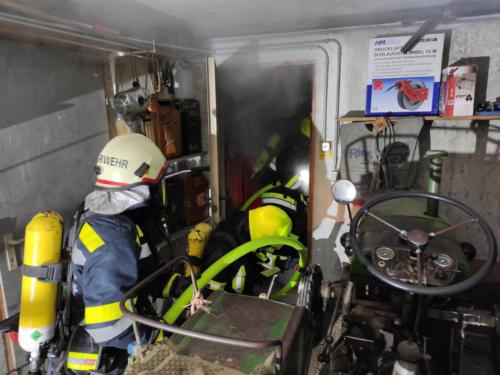Öffnen der Brandraumtür